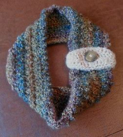 caring crafters button cowl